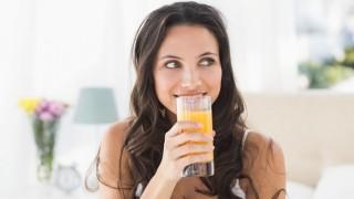 Orangensaft hilft bei Eisenmangel.