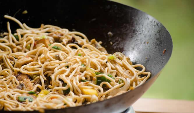Ein Nudelgericht nach asiatischem Rezept