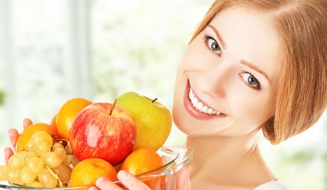 Beim Fasten auf ausreichend Vitamine achten.