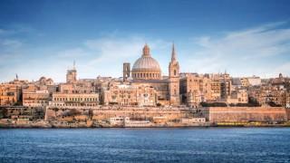 Malta ist eine zauberhafte Insel mit vielen kulturellen Sehenswürdigkeiten.