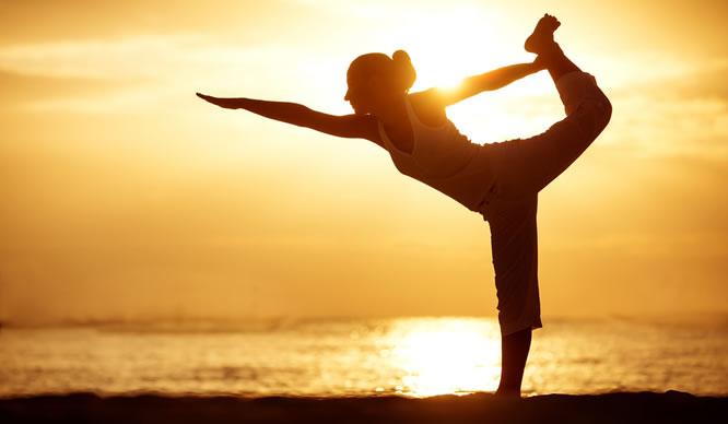 Entspannung beim abendlichen Yoga