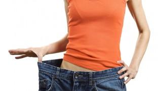 Mit der richtigen Ernährungsumstellung und Disziplin purzeln die Pfunde.