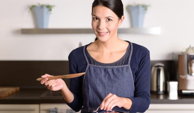 Beim Kochen auf die richtige Zubereitung achten, um Magenprobleme zu verhindern.