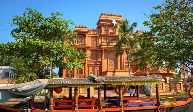 Eine Tempelanlage in Kerala