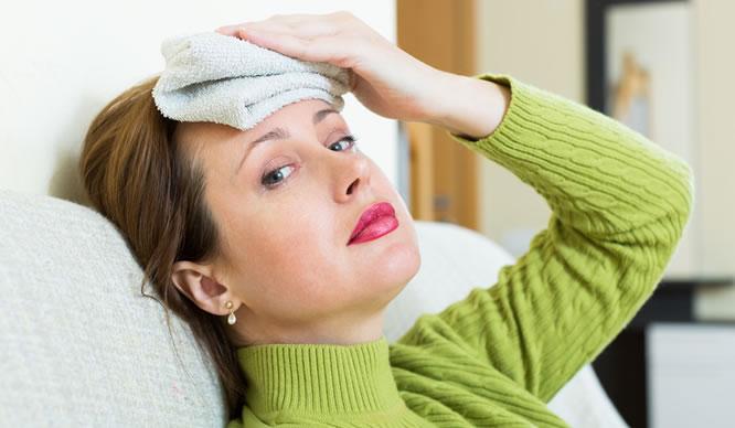 Eine Migräne kann sehr schmerzhaft sein.