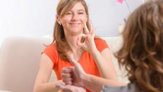 Gebärdensprache gilt als eigenständige Sprache und Kultur.
