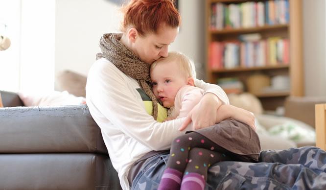 Wenn das Kind krank ist, dürfen Eltern zu Hause bleiben.